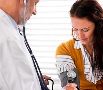 Taxas de óbito por AVC e doenças cardíacas caem entre as mulheres